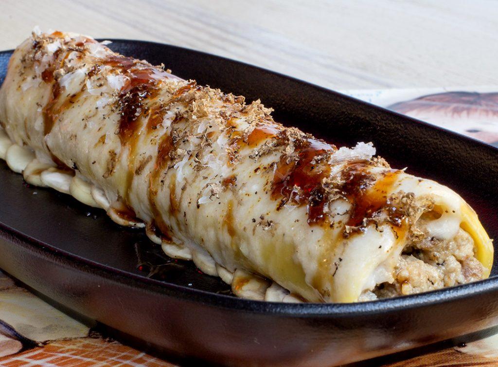 Canelon XXL con trufa pollo de corral y foie Bellavista del jardin del norte